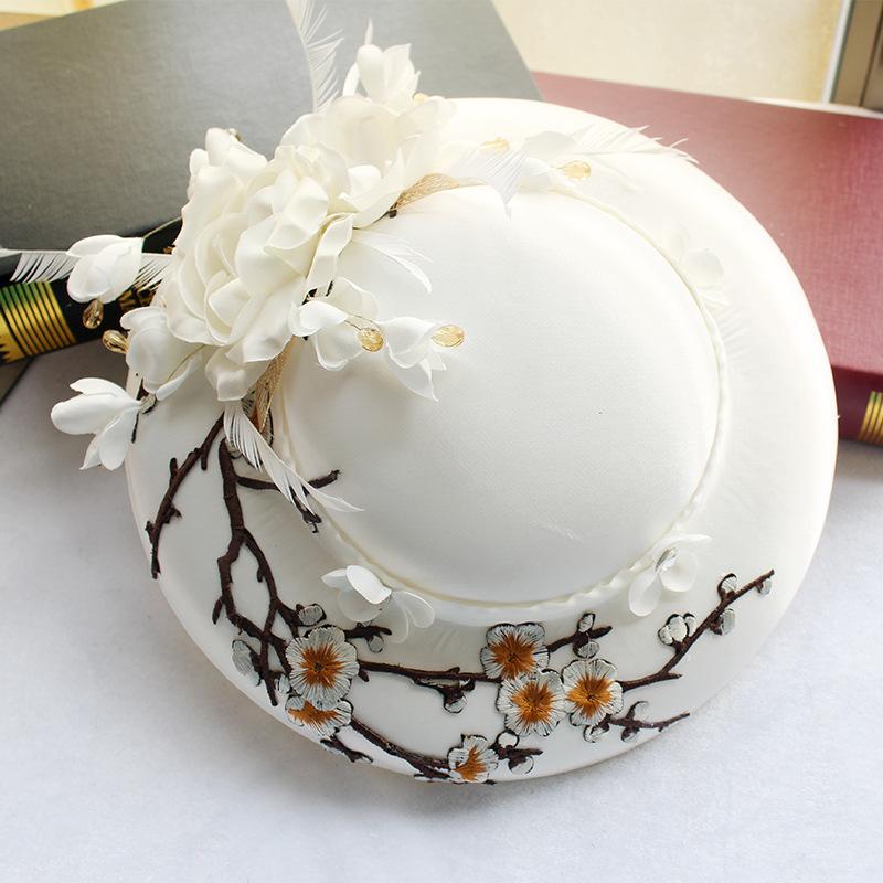 欧美新娘礼帽白色缎面羽毛刺绣帽子婚纱礼服影楼外景拍照配饰发饰