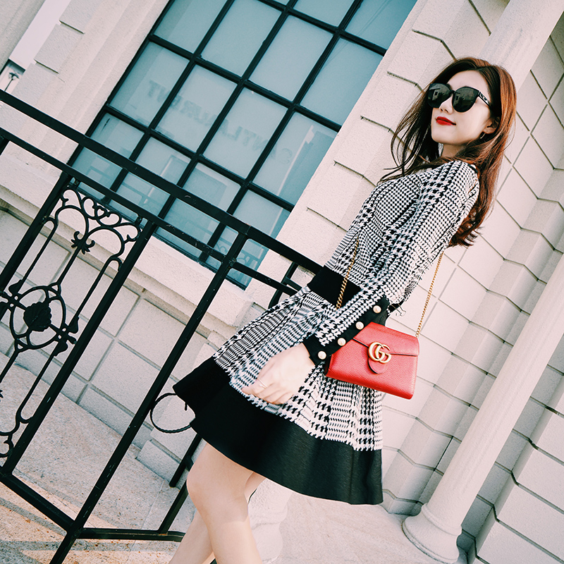 春秋女装时尚两件套潮2017新款休闲A字红色格子小香风针织套装裙