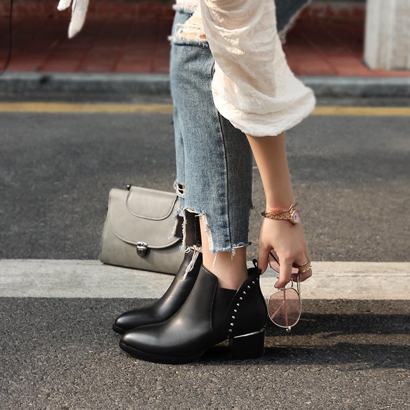 春秋2019新款真皮马丁靴女欧美尖头粗跟及裸靴加绒高跟铆钉短靴子