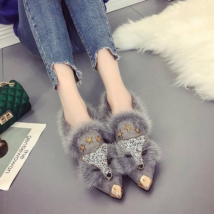 尖头毛毛鞋女chic2019韩版新款秋冬豆豆鞋社会平底时尚带钻网红鞋
