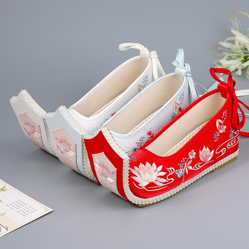改良汉服鞋子女古风明制婚鞋翘头履绣花鞋古装汉鞋配汉服 百钦