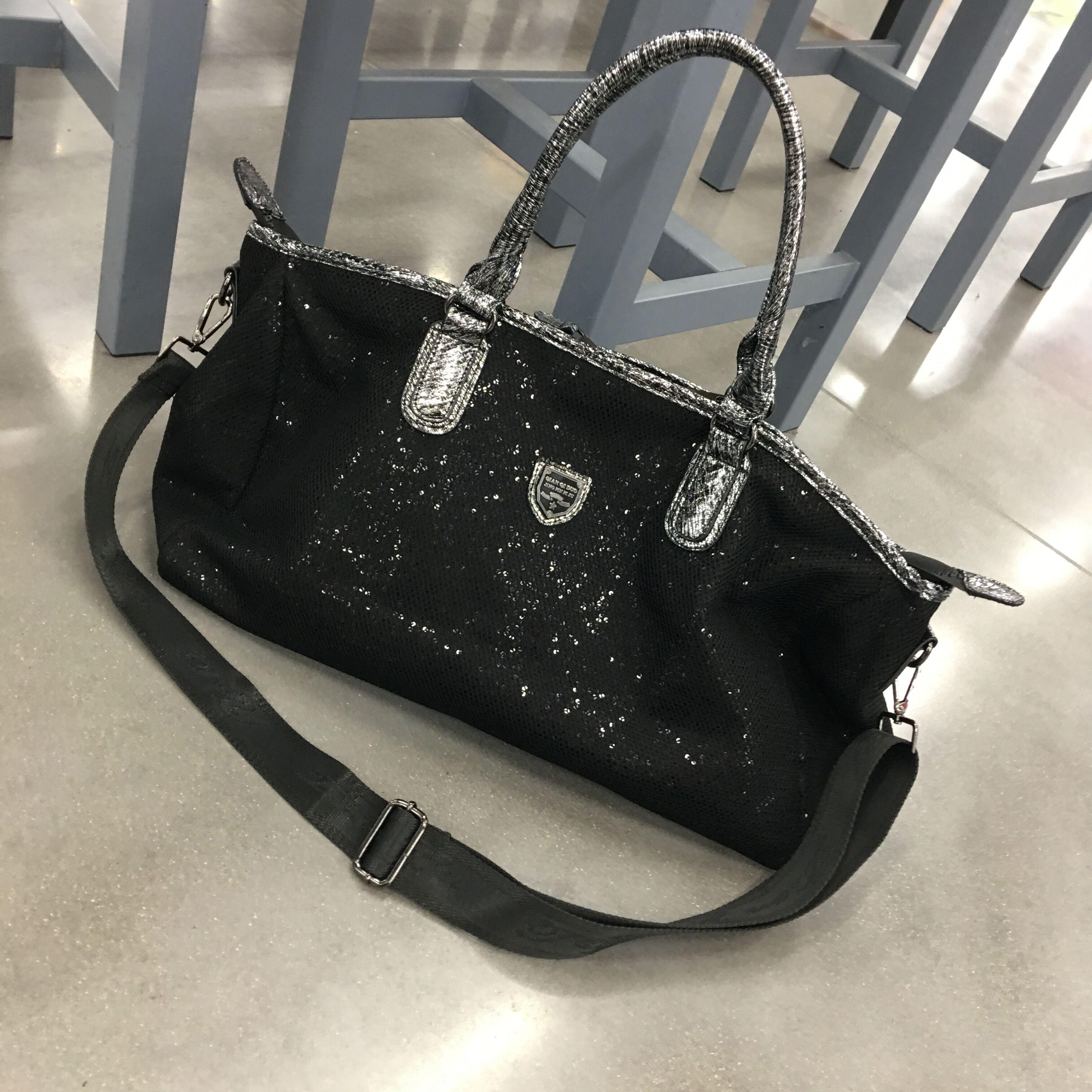 新款明星款旅游健身包时尚个姓大容量亮片短途行李包 2018 旅行包女