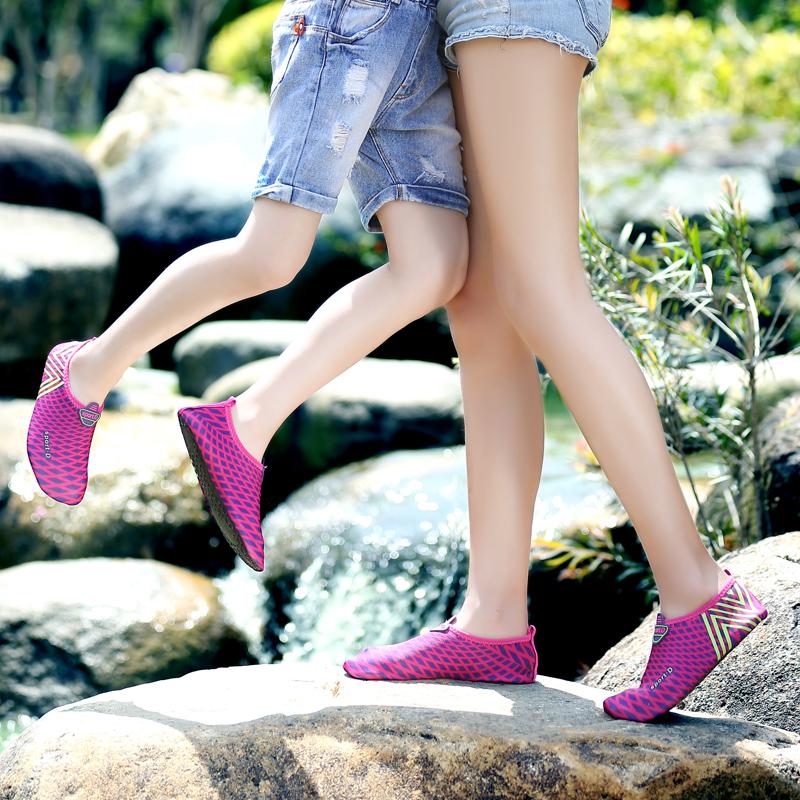 沙滩鞋男防滑潜水鞋女速干浮潜涉水溯溪游泳鞋赤足贴肤鞋瑜伽鞋袜