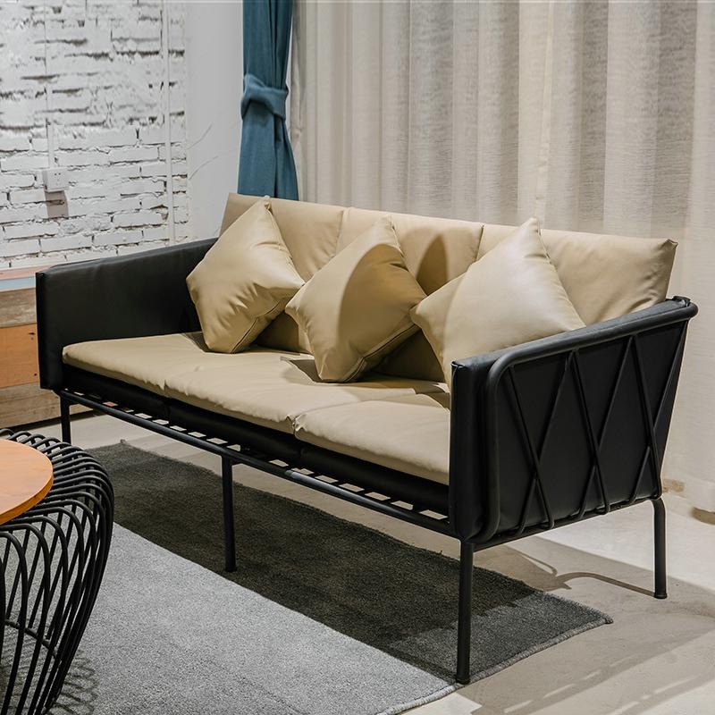 北欧简约现代工作室办公铁艺沙发loft复古工业风服装店休闲沙发椅