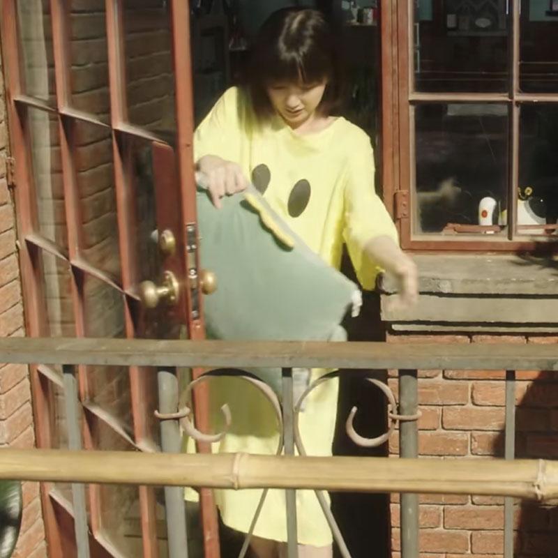 三十而已钟晓芹毛晓彤同款衣服女韩版笑脸减龄中长款T恤连衣裙夏