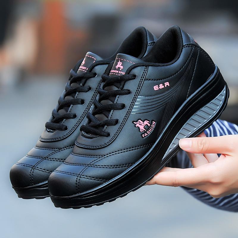 春季女士休閒搖搖鞋厚底防滑黑色皮面運動鞋女舒適軟底媽媽鞋女鞋