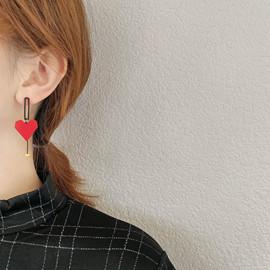 几何镂空不对称红色爱心耳环女高级感超仙耳坠个性气质简约耳饰品