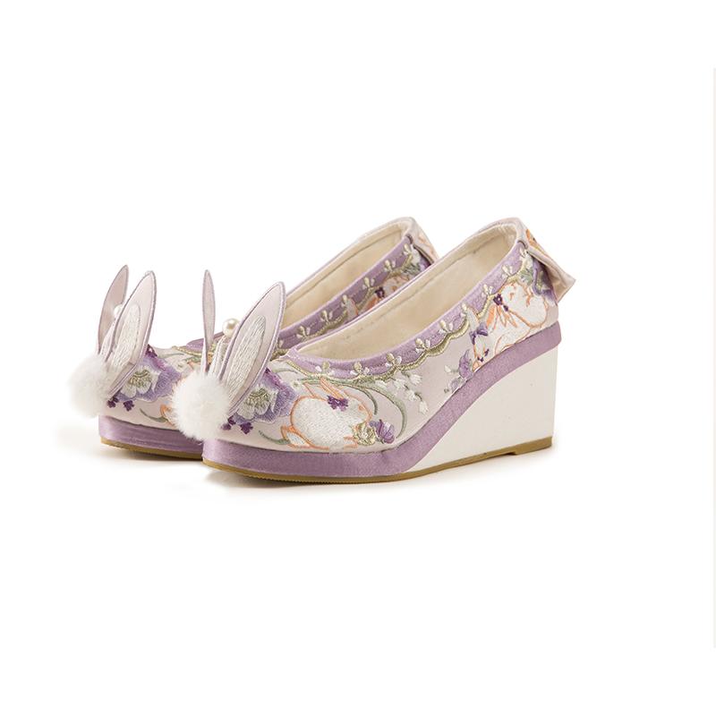 兔兔绣花平底坡跟兔耳刺绣弓鞋女 玉兔少女 小豆蔻儿 十三余
