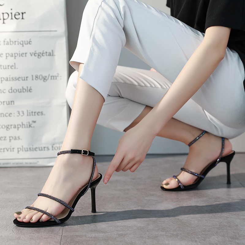 春夏季新款凉鞋女姓感细跟露趾水钻时尚百搭网红高跟鞋 2020 一字带