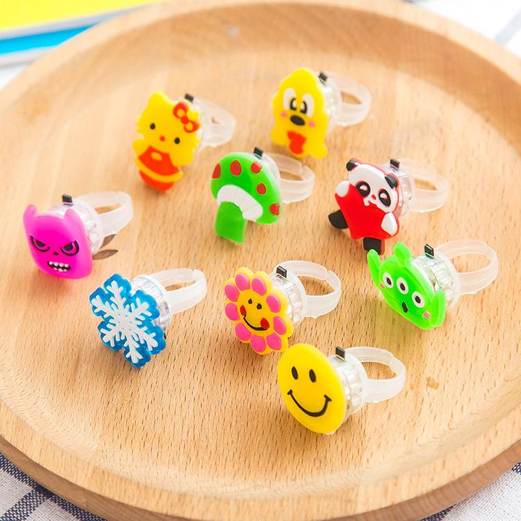 发光玩具儿童毕业奖品礼品创意礼物闪光戒指夜市地摊货小玩意批發