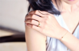 Original design Guxi small green emerald emerald ring light luxury elegant exquisite fashionable gift
