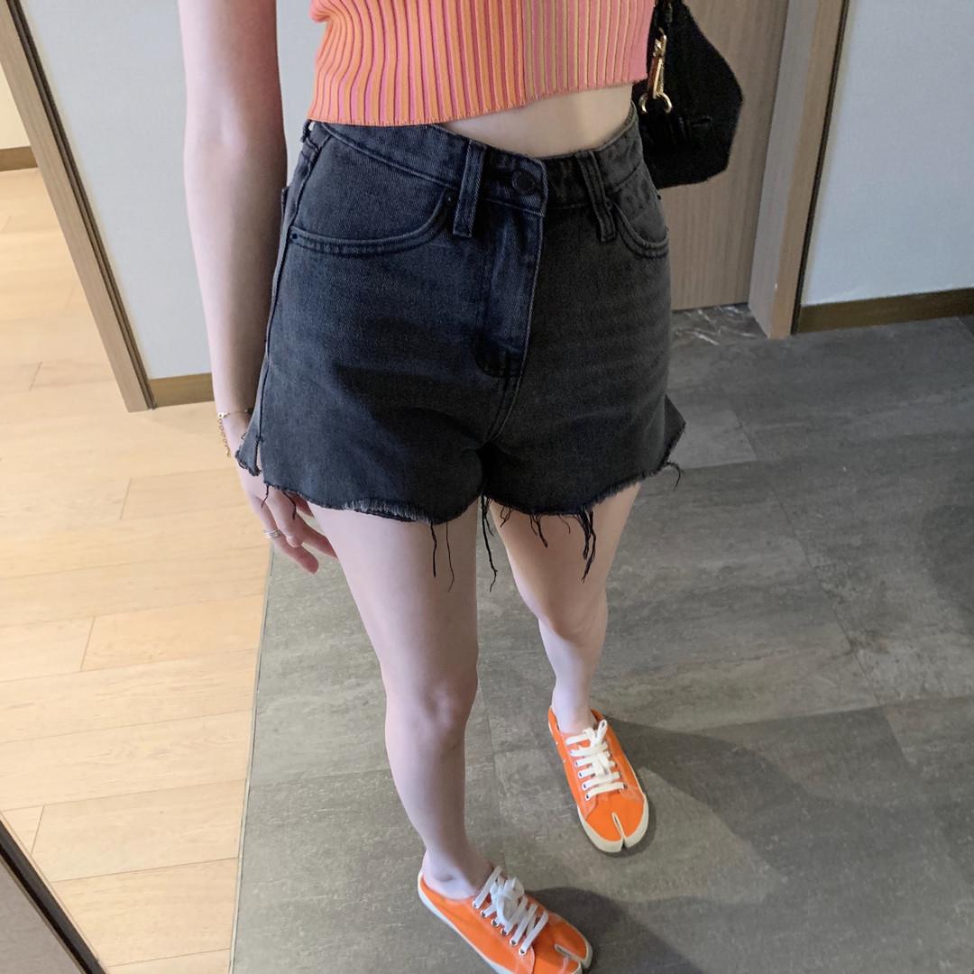 2021夏ins风黑色牛仔短裤经典大王aw中高腰热裤宽松显瘦网红款女