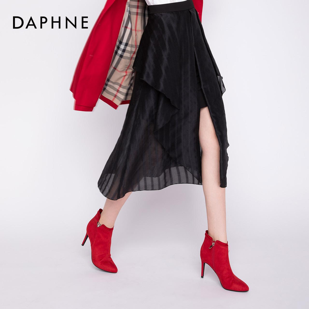 冬新款轻奢钻流苏尖头高跟绒面短靴女 2018 达芙妮 Daphne