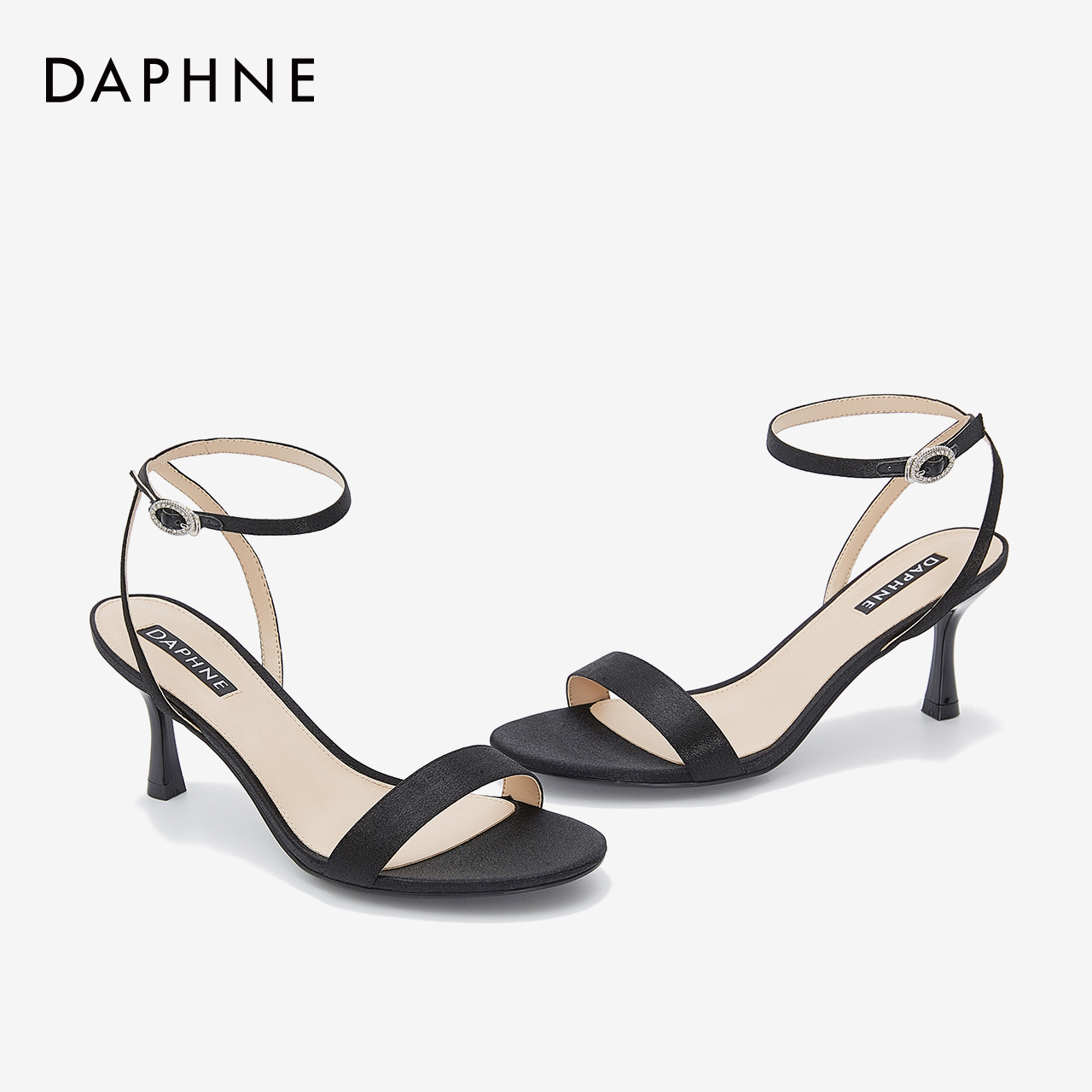 内里细高跟一字带凉鞋宴会礼服 PU 年夏季新款女鞋丝光布 2020 达芙妮