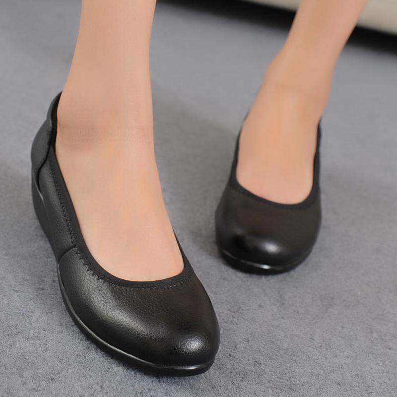 软底不磨脚舒适真皮女鞋坡跟圆头休闲女单鞋上班皮鞋工作鞋女黑色
