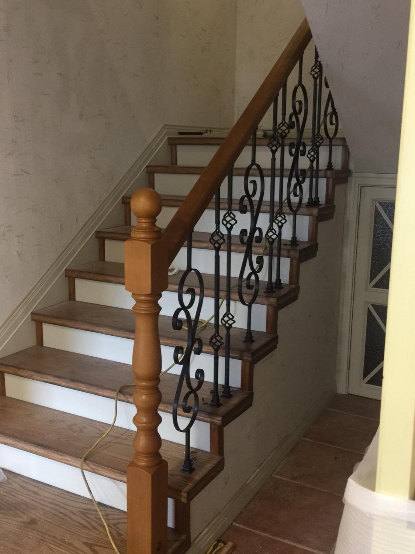 新款实心铁艺楼梯扶手 走廊栏杆 立柱将军柱阳台阁楼护栏飘窗围栏