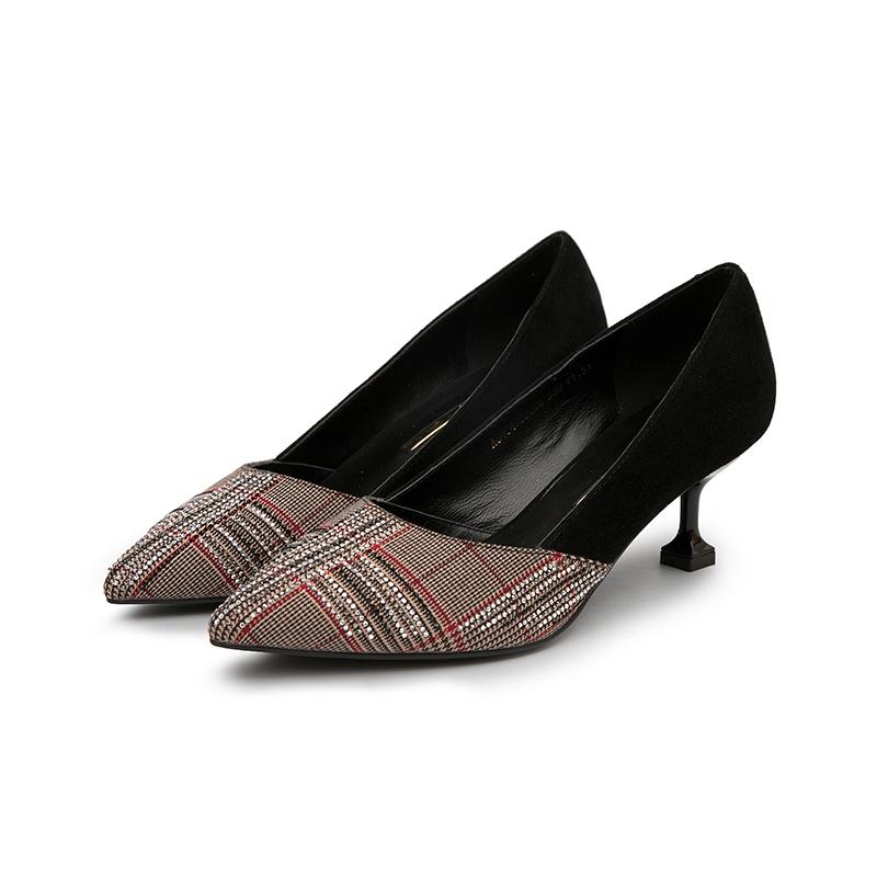 A8404202 千百度女鞋春秋商场同款猫跟鞋拼接格纹尖头浅口中跟单鞋