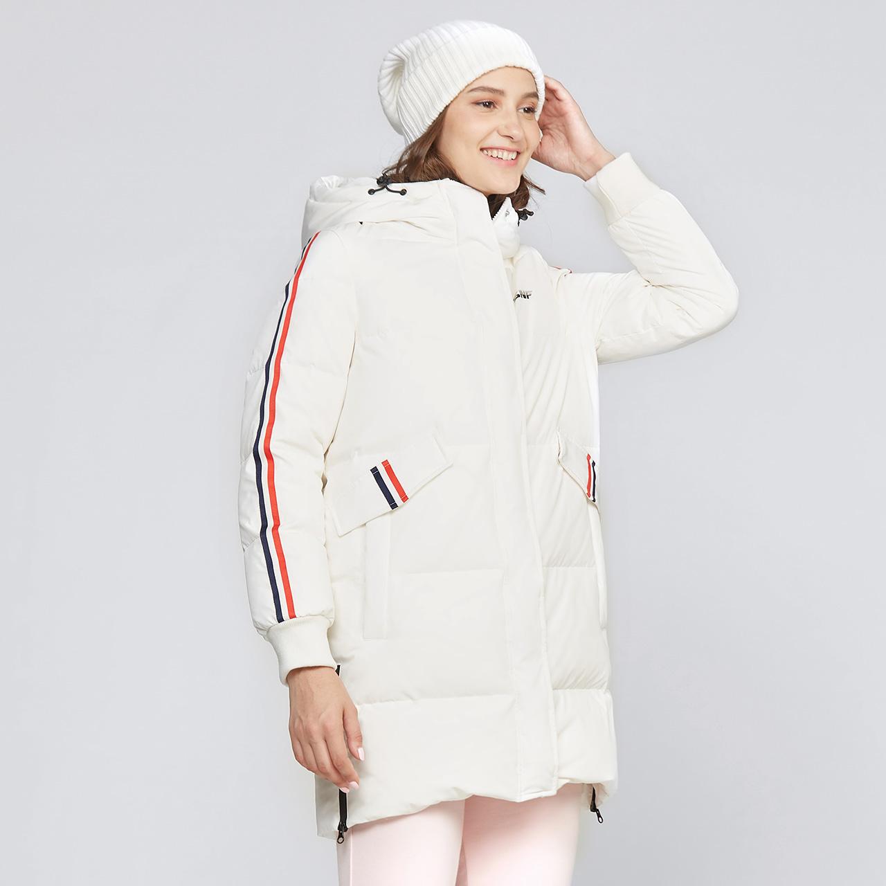 雪中飞 秋冬新品女士连帽修身中长款羽绒服运动大码保暖外套  2018