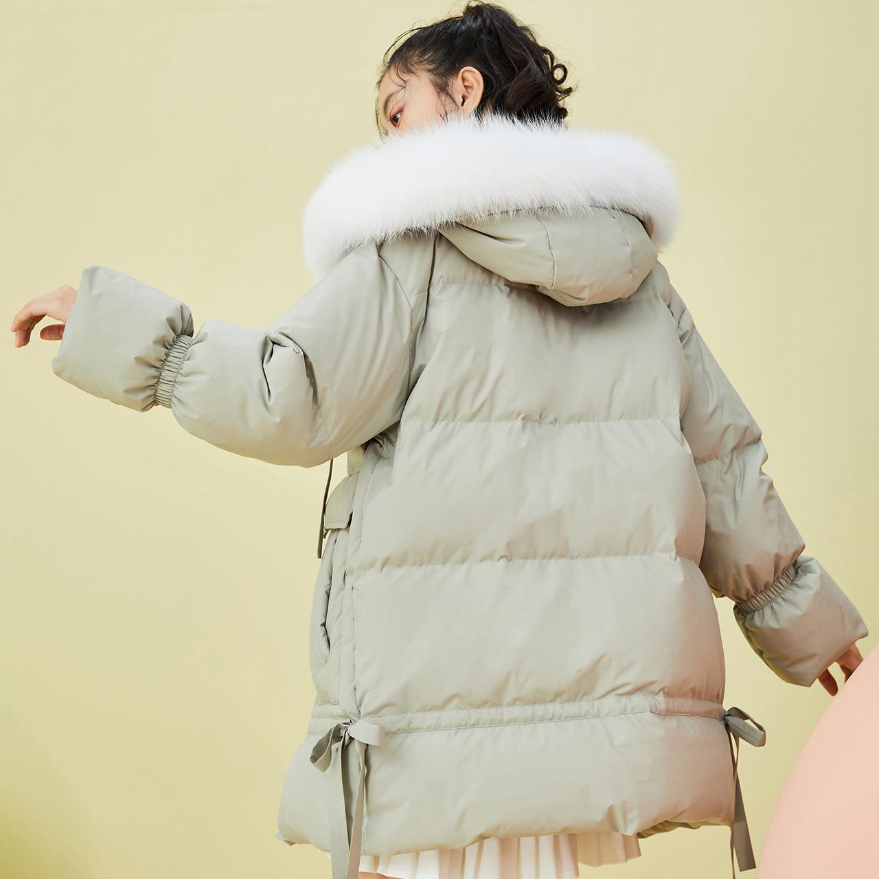 雪中飞 秋冬趣味保暖袖口个姓潮流系带下摆大口袋中长羽绒服女  2020