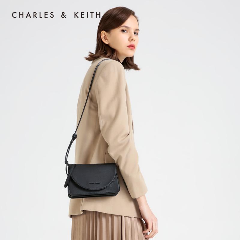 圆环装饰女士翻盖单肩包 70671123 CK2 春季新品 KEITH2020 & CHARLES