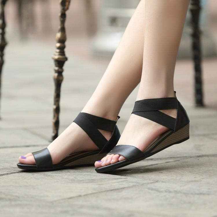 简约套脚平底百搭夏凉鞋真皮露趾平底女款坡跟中低跟学生大码防滑