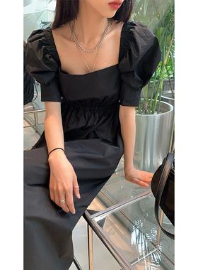 红人馆黑色连衣裙女夏季2021年新款法式长裙方领泡泡袖赫本风裙子