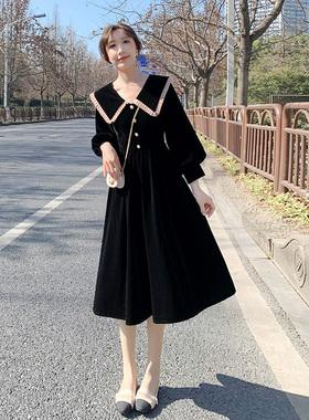 赫本风娃娃领小黑裙子2021年春秋新款女装大翻领收腰黑色连衣裙女