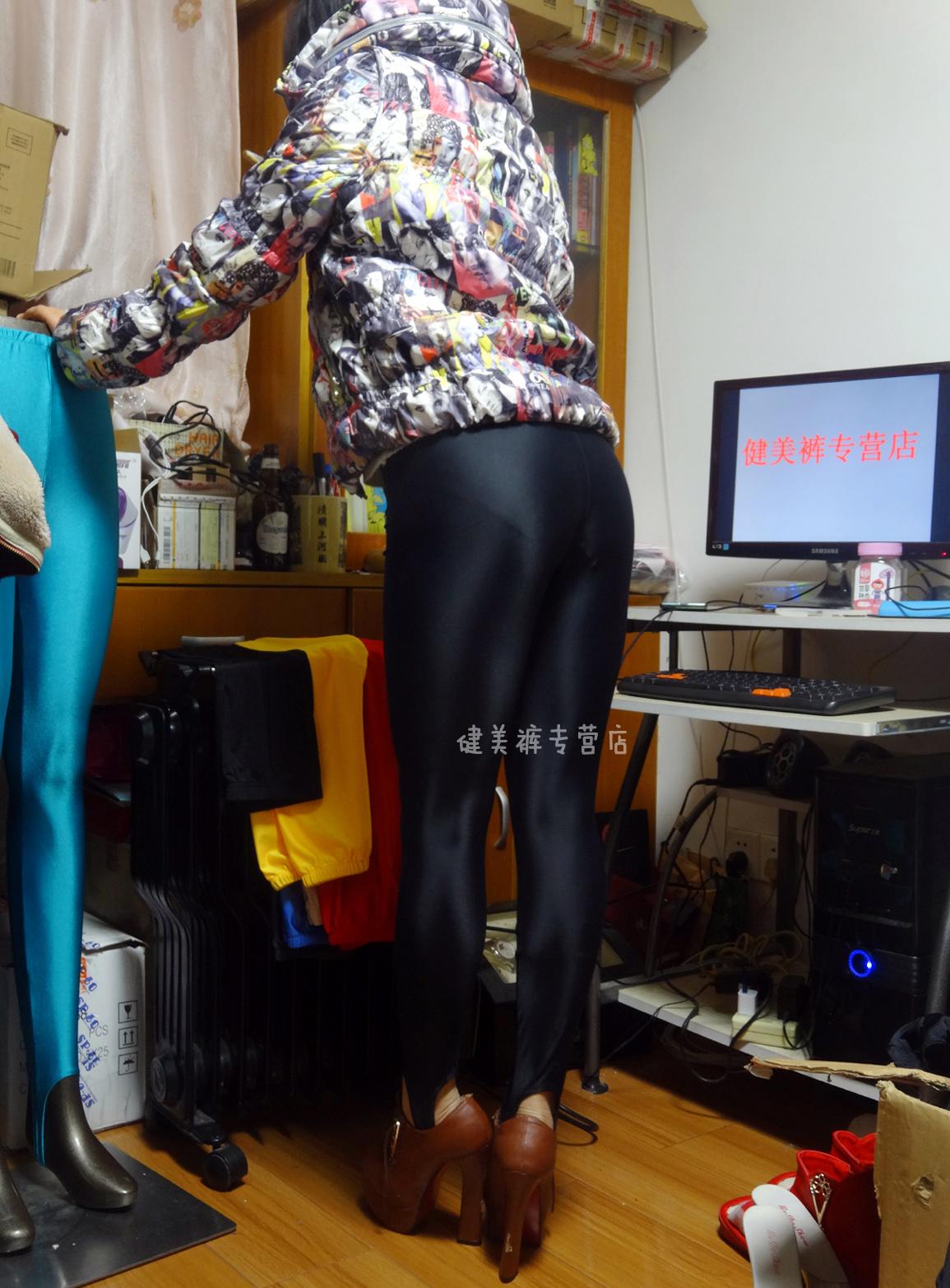 黑色健美裤视频_健美裤踩脚裤紧身裤打底裤靴裤黑色日本进氨纶四面弹力超光沢现货