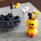 Set creative cute cartoon fruit fork stainless steel sign home fruit Korean children silicone plug security small fork