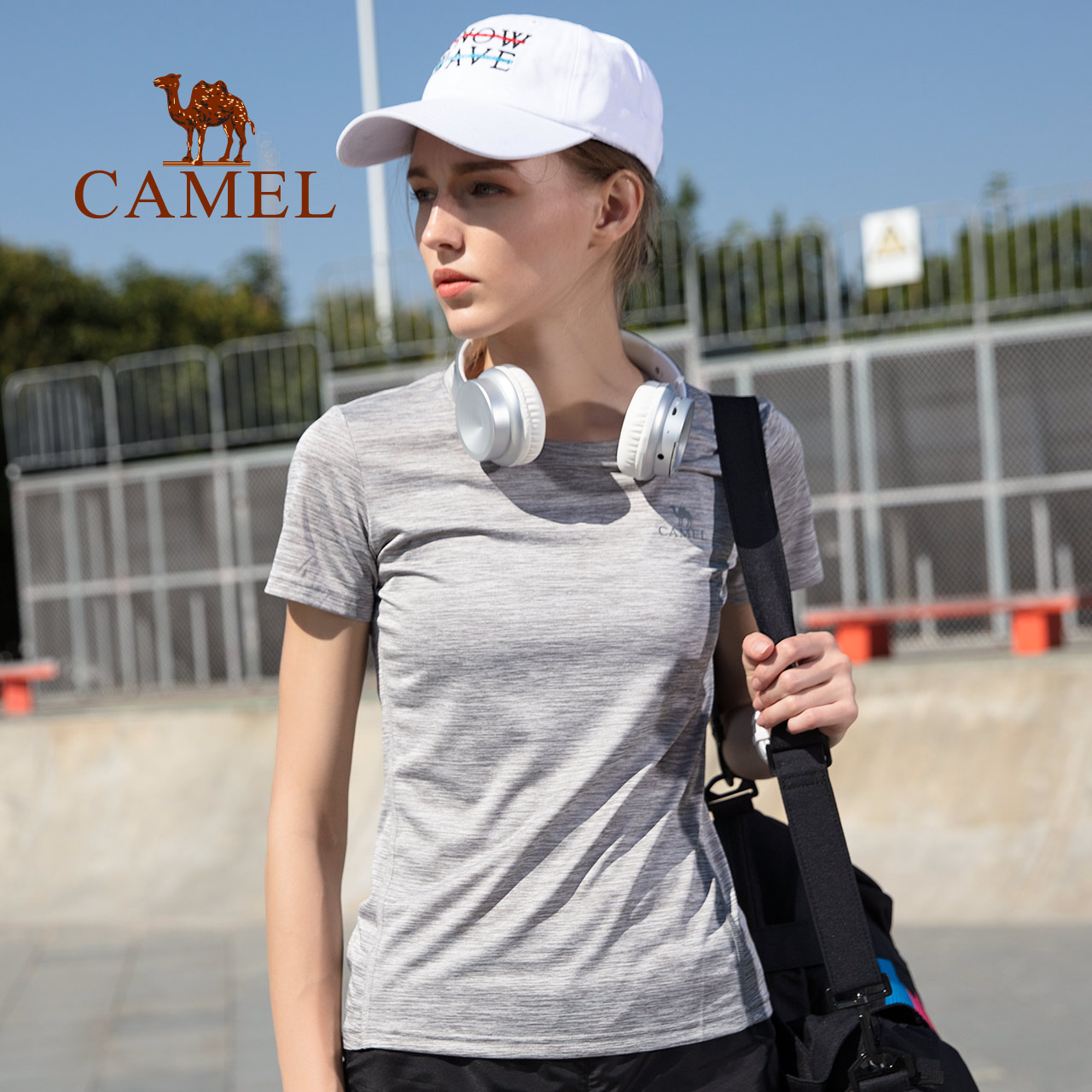 Camel/骆驼户外运动T恤女款 春夏舒适休闲透气速干短袖圆领女上衣