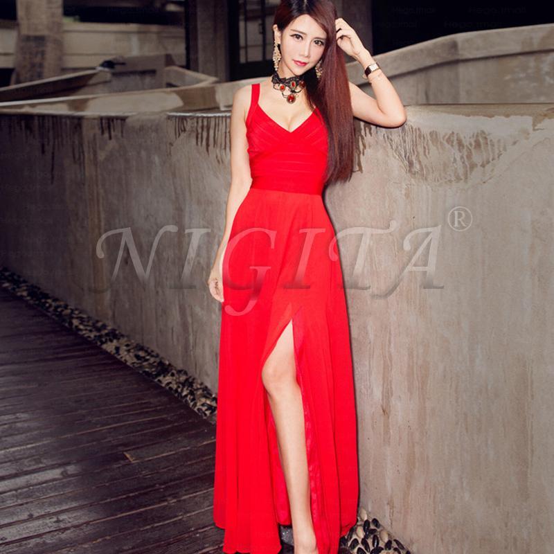 红色长裙露肩性感吊带深V开叉婚宴年会礼服收腰显瘦绷带连衣裙女