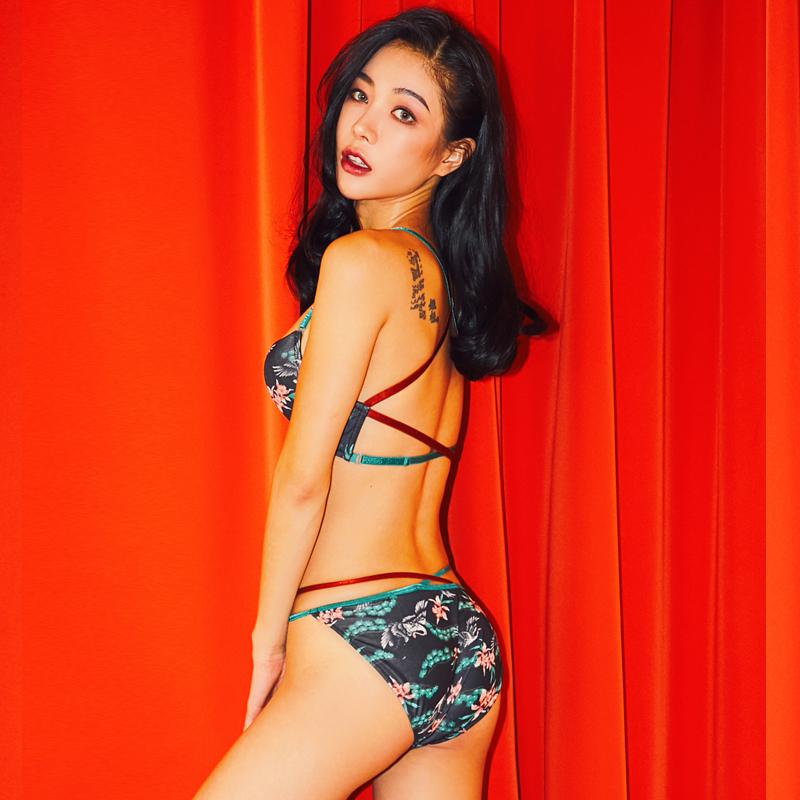 韩国秋冬新品 女士前扣聚拢文胸套装美背姓感大码内衣胸罩  ULLALA