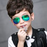 Tide children's sunglasses sunglasses sunglasses boys and girls toad glasses anti-ultraviolet metal glasses toads mirror shade baby