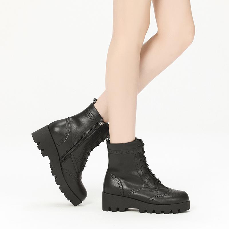 Daphne/达芙妮冬季时尚女士系带休闲鞋低跟平底短靴高帮厚底短靴