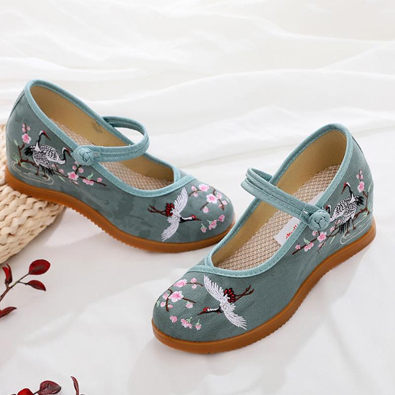 新款老北京布鞋女坡跟绣花鞋内增高跟时尚女鞋民族风休闲厚底单鞋