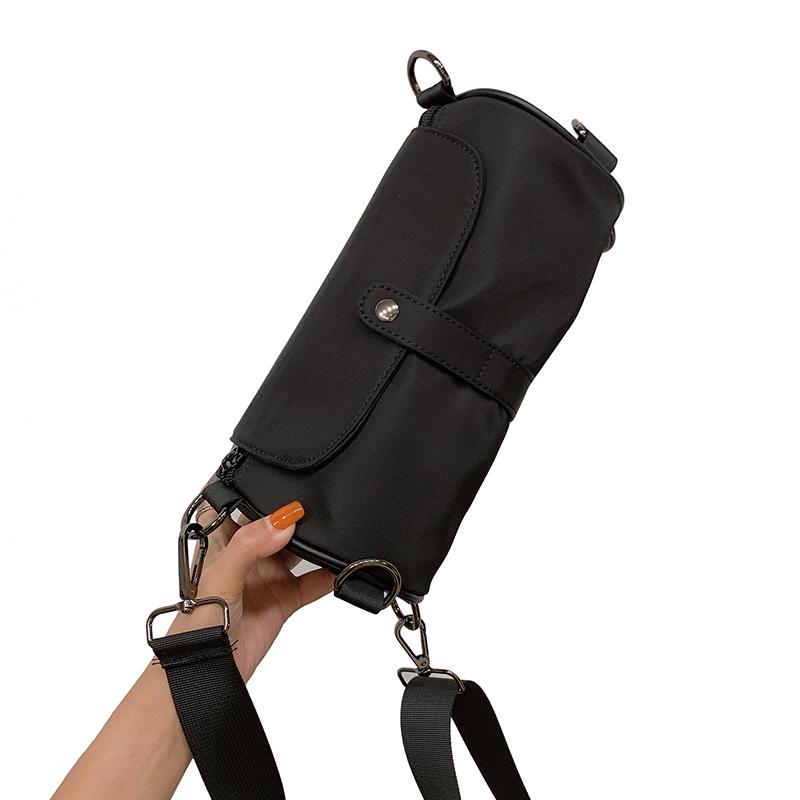 新款潮网红斜挎包牛津布百搭圆筒单肩小包 2020 黑色包包女包新款