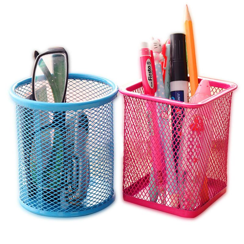 北欧创意时尚桌面儿童笔筒简单收纳盒可爱男办公金属室用品小放的