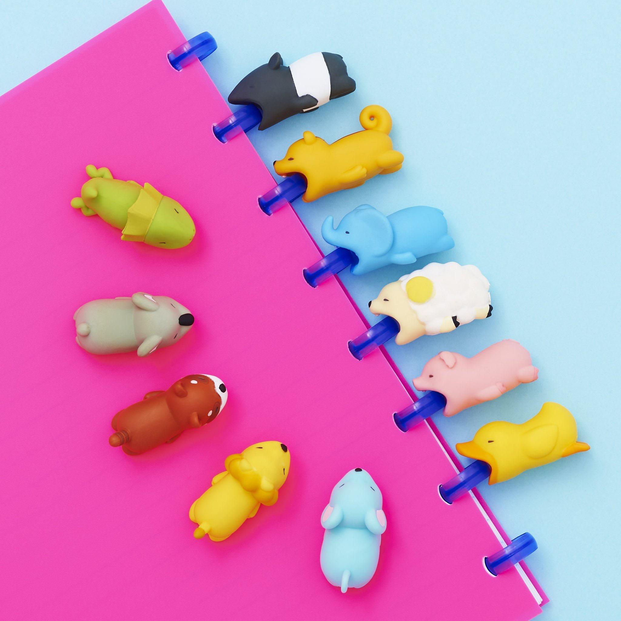 日本正版CABLE BITE防折断可爱动物咬线器咬咬苹果数据线保护套