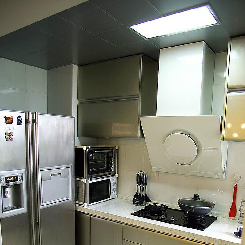平板灯铝扣板厨房卫生间灯嵌入式吸顶灯 30x30x60LED 灯 led 集成吊顶