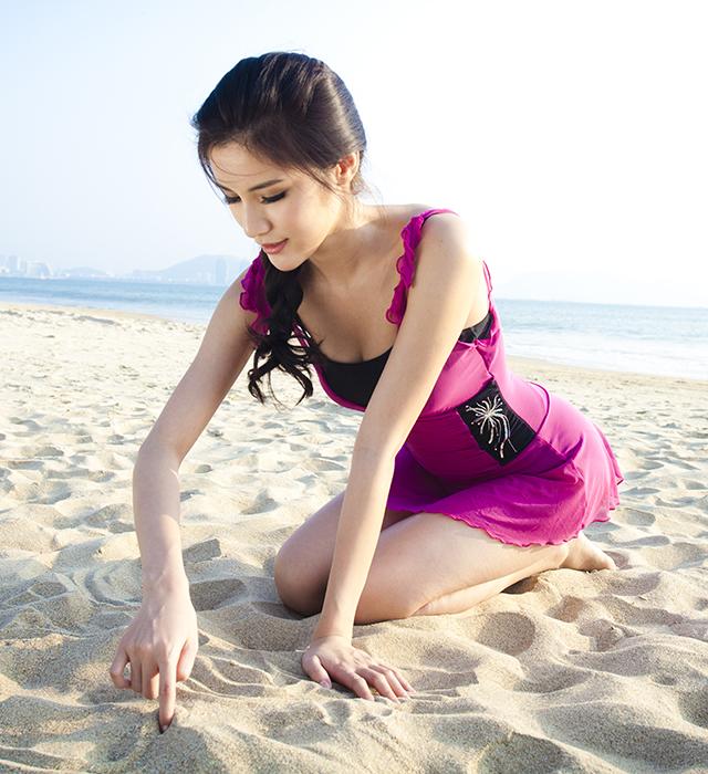 亦浪女士连体裙式泳衣小胸聚拢泳装平角分体如厕显瘦遮肚游泳衣