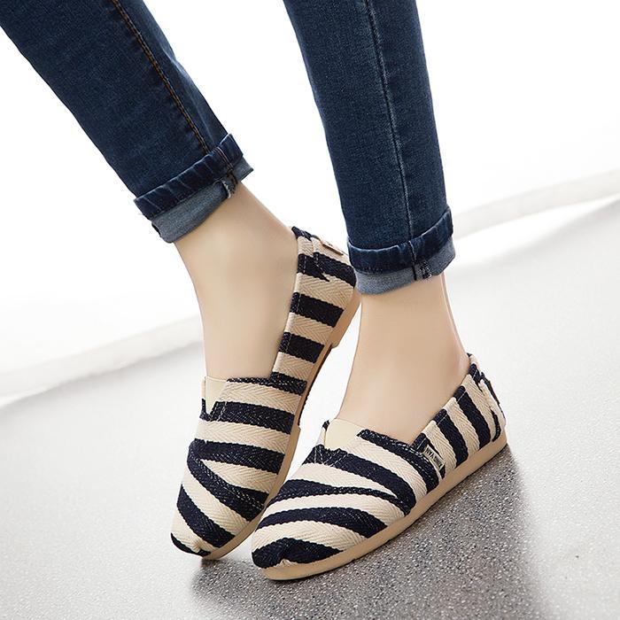 布鞋女春夏新款平底 一脚蹬 懒人鞋韩版百搭休闲老北京布鞋女平跟