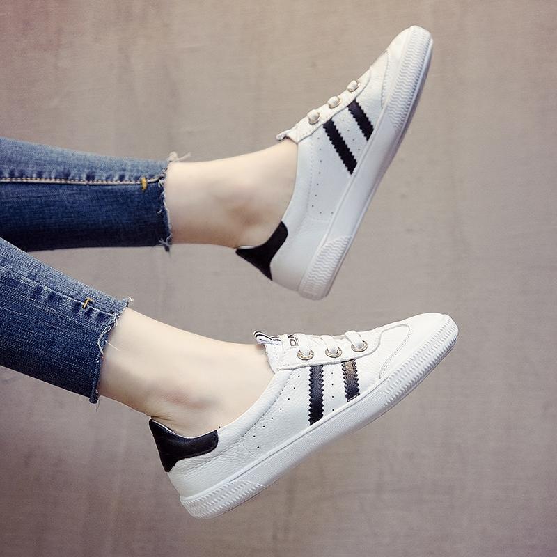 小白鞋女夏季百搭基础真皮平底松紧套脚休闲英伦港味白鞋子懒人鞋