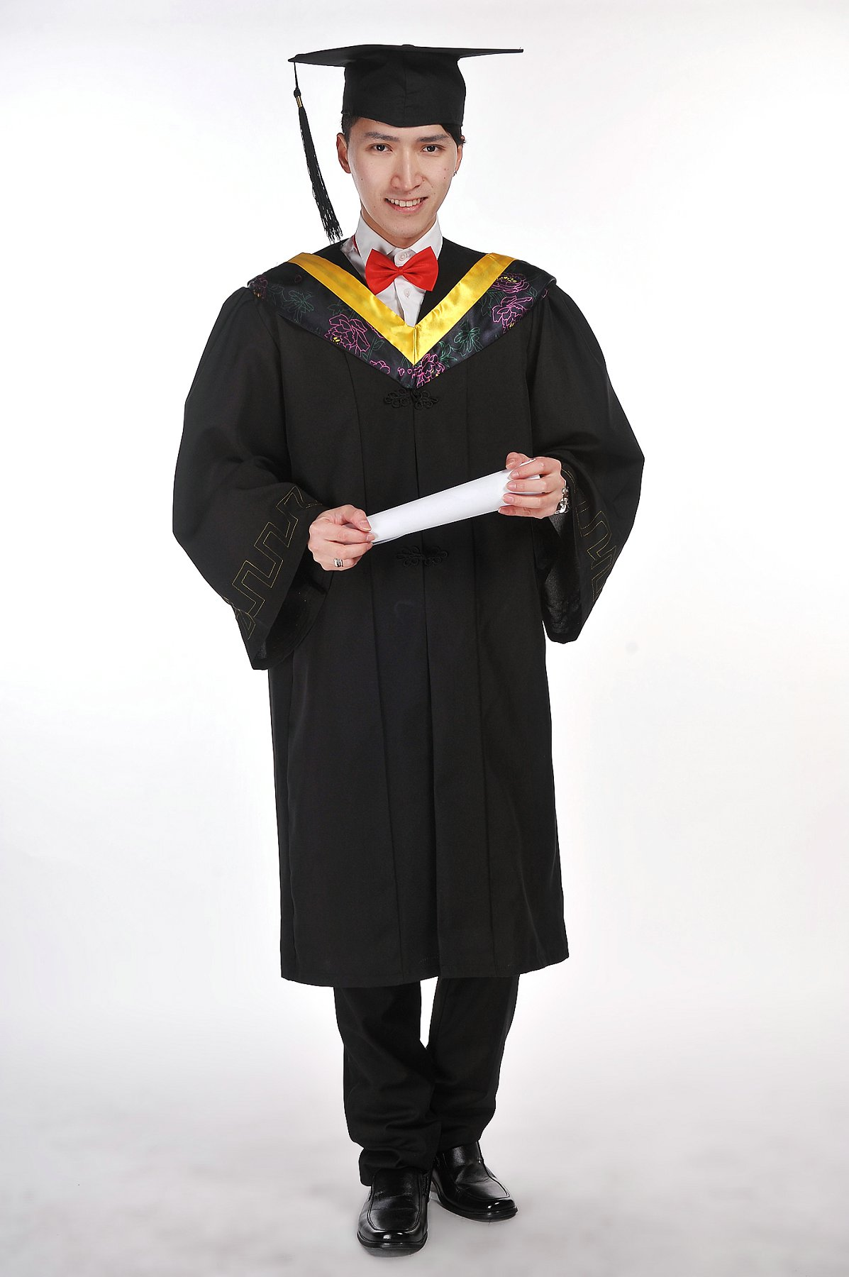 Buy Degree graduation gown dress clothes pictured bachelor cap and ...