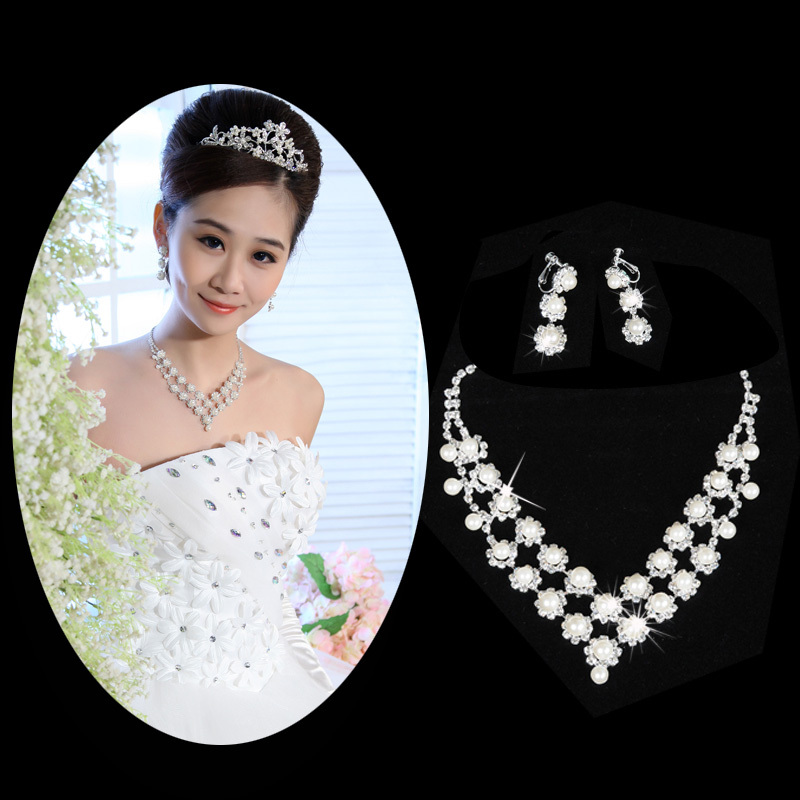 Buy Wedding Wedding Decoration Beautiful Bride Necklace Diamond Necklace Earrings Set Bridal Sets Of Chain Necklace Xl9993 In Cheap Price On M Alibaba Com