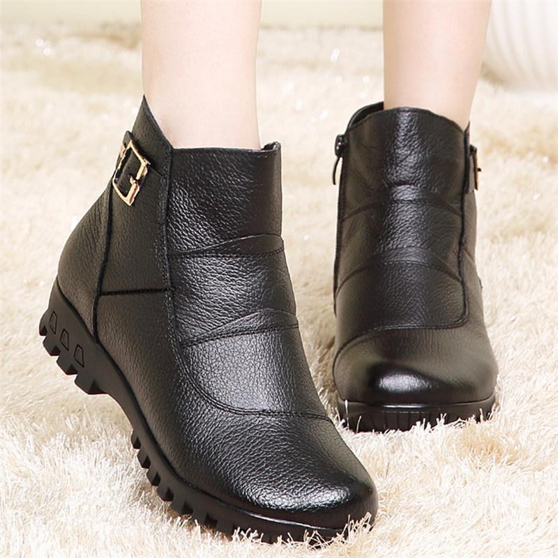 冬季真皮保暖妈妈鞋棉鞋女短靴中老年人平底防滑加绒棉皮鞋女棉靴