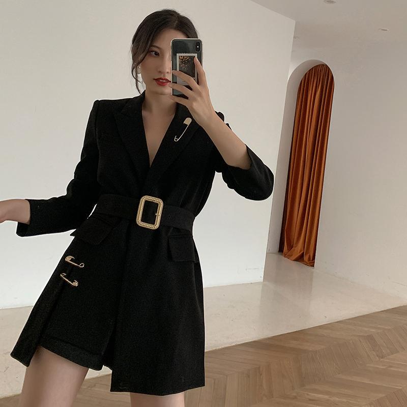 飒纳黑色西装外套女2020春款时尚法式设计感显瘦一粒扣气质小西服