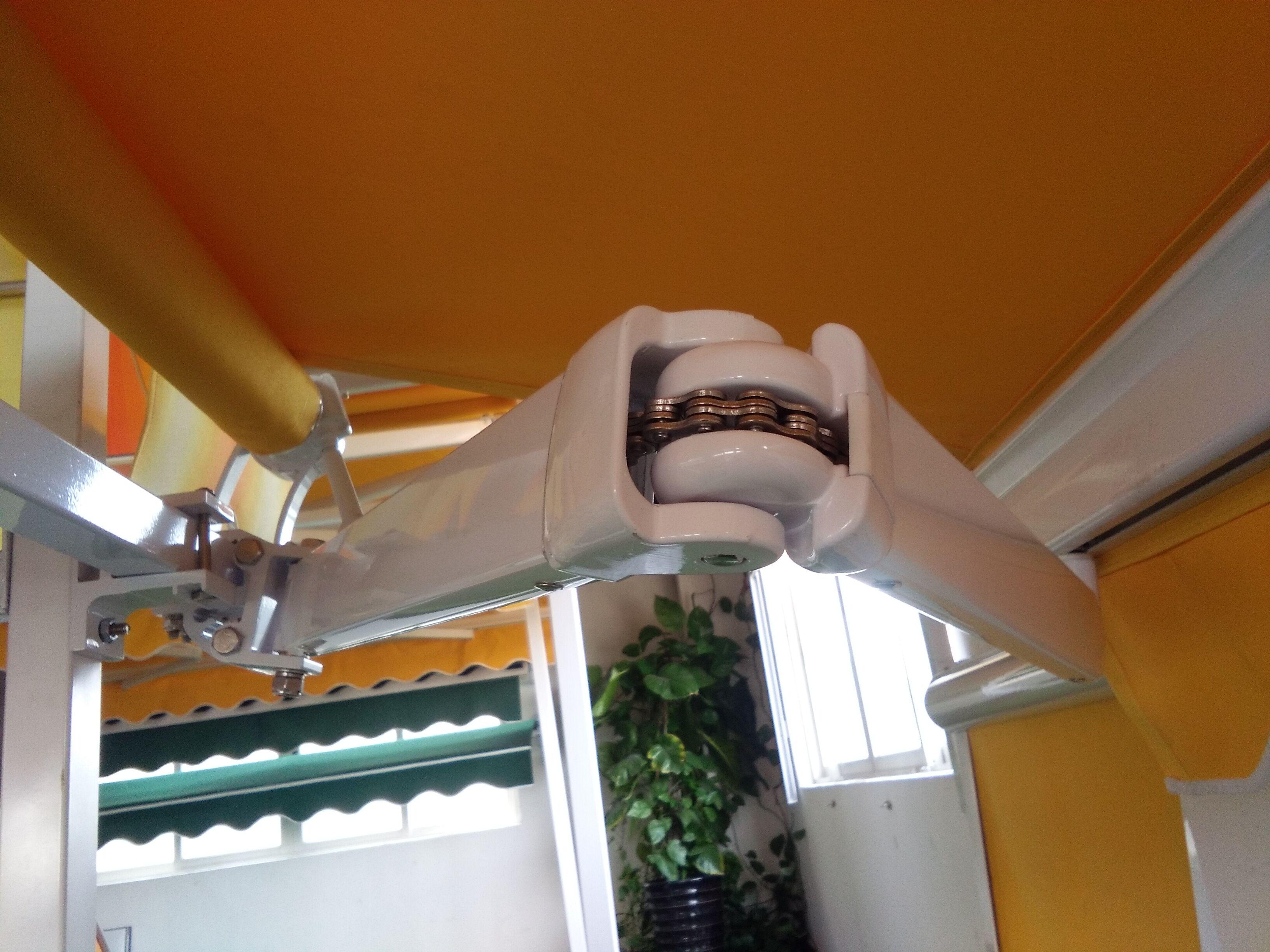定制遮阳棚伸缩雨棚户外电动折叠帐篷手摇雨篷链条阳台停车棚