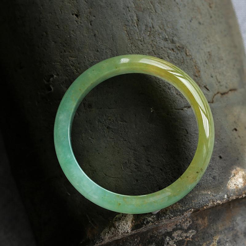 货正圈冰种手镯女款 A 缅甸冰种翡翠手镯圆条飘绿飘花玻璃种老坑