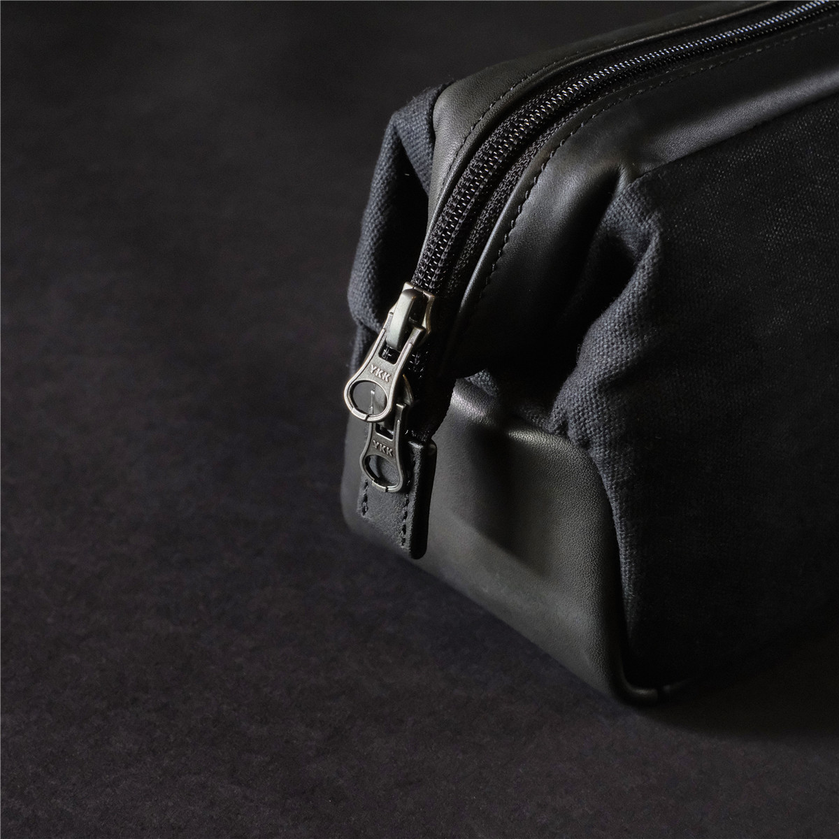 cam-in 真皮/防水蜂蜡布 专业摄影器材收纳包单肩摄影包LCCB-003