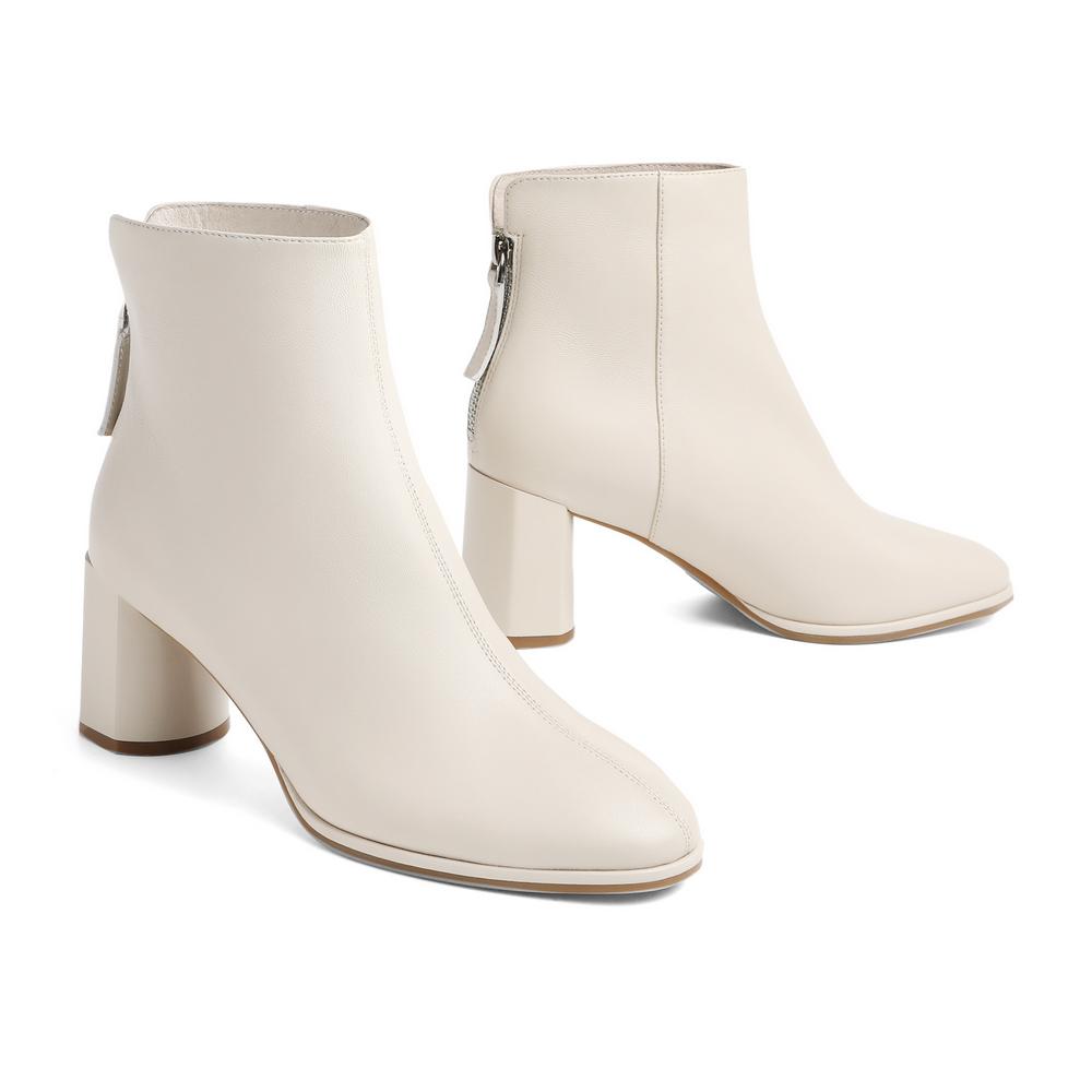 聚 V6J1DDD0 冬新商场同款英伦风复古女靴 2020 百丽粗高跟皮短靴女